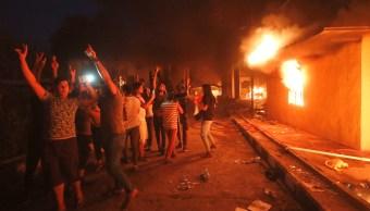 Manifestantes incendian el consulado de Irán en Basora, Irak