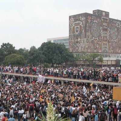 Con megamarcha, estudiantes rechazan violencia en la UNAM