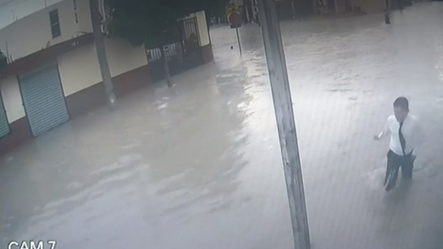 Muere estudiante por descarga eléctrica tras lluvias en Apodaca, NL