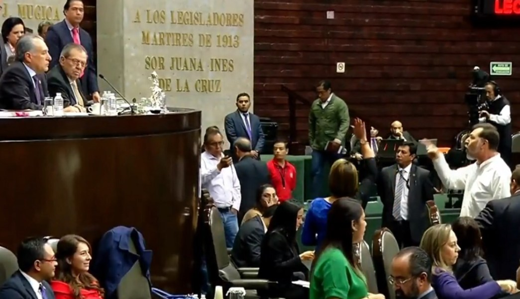 Fernández Noroña y Muñoz Ledo chocan en San Lázaro
