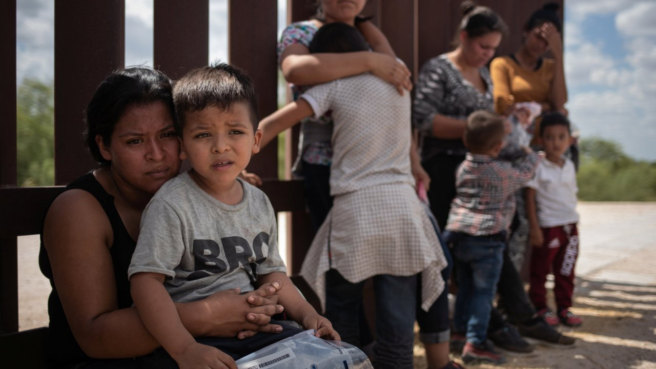 Más de 200 niños migrantes no podrán reunirse con sus padres