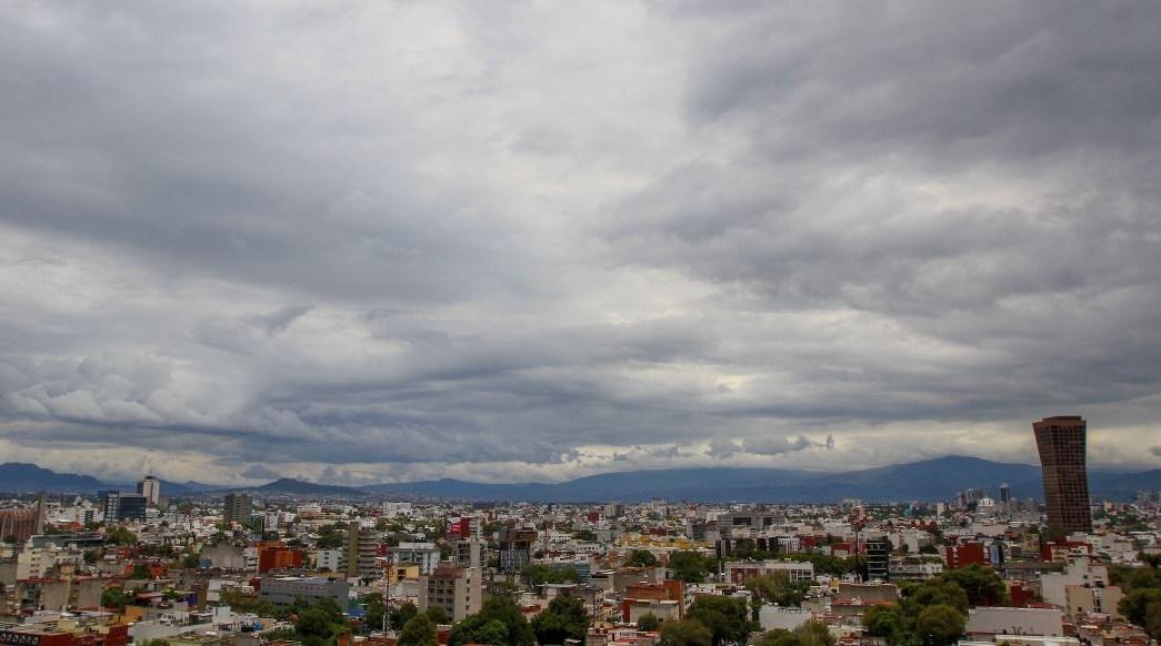 Prevén lluvias y caída de granizo en la Ciudad de México