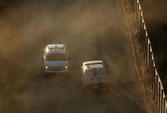 Arrestan a un agente de Aduanas descrito como un asesino en serie