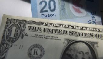 Peso mexicano pierde, dólar cotiza a 19.25