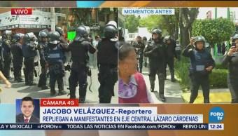 Repliegan a manifestantes en Eje Central Lázaro Cárdenas