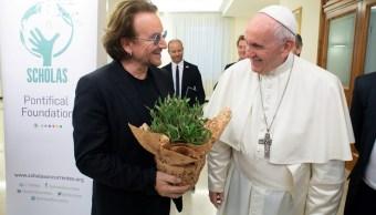 Bono y Papa Francisco hablan pederastia en Vaticano