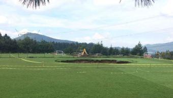 Socavón en Cuajimalpa; se forma hueco de 30 metros