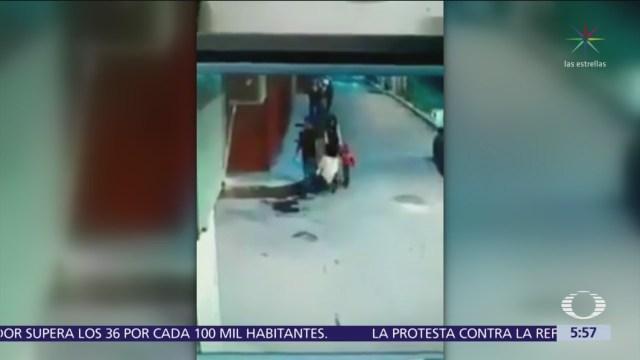 Taxista evita agresión de hombre contra una mujer en Xochimilco