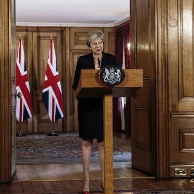 Crece la presión sobre May para que elabore un 'plan B' sobre el brexit