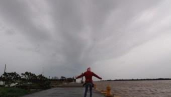 Tormenta tropical Olivia se aleja de México