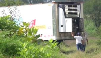 Cesan a director del Forense de Jalisco por tráiler abandonado con cadáveres