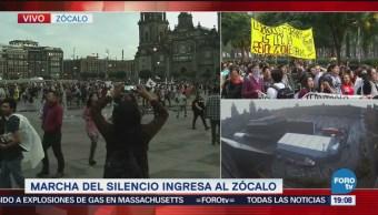 Vanguardia de la marcha estudiantil llega al Zócalo CDMX