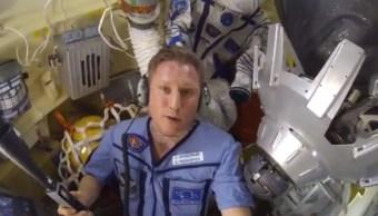 Soyuz: Cosmonauta ruso dice en video estar bien pese agujero