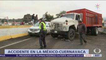 Vuelca camión en la autopista México-Cuernavaca hacia la CDM