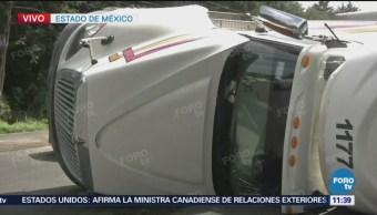 Vuelca tráiler en la autopista México-Toluca