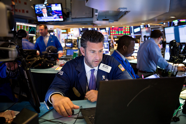 Wall Street cierra mixto y el Dow Jones retrocede