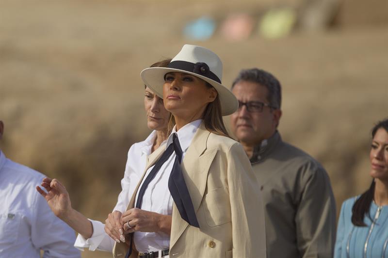 Melania asegura que ha pedido a Trump dejar el celular