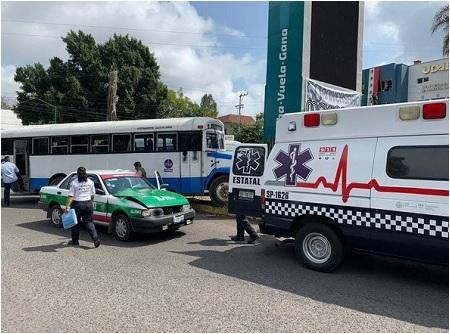 Accidente automovilístico en Xalapa deja 12 heridos