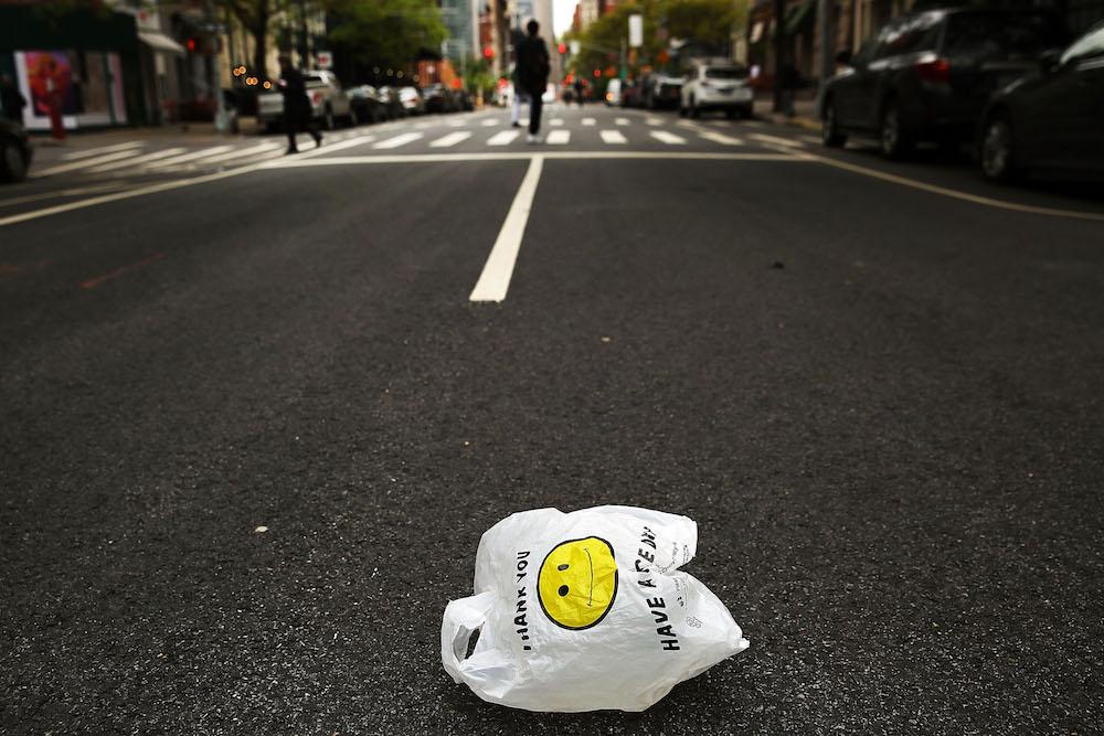 Foto Bebé bolsas plástico como pañal revela triste historia