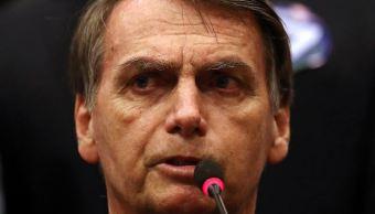 Bolsonaro se muestra amigo de homosexuales en busca de votos