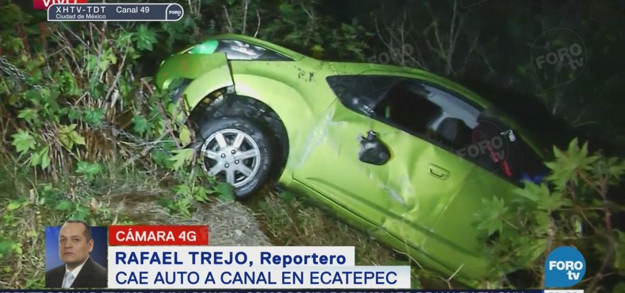 Cae Automóvil Canal Ecatepec Tráfico Accidente