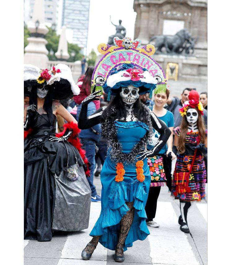mega procesion catrinas invade calles de cdmx