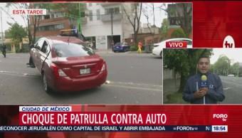 Chocan patrulla y auto particular, cinco personas lesionadas