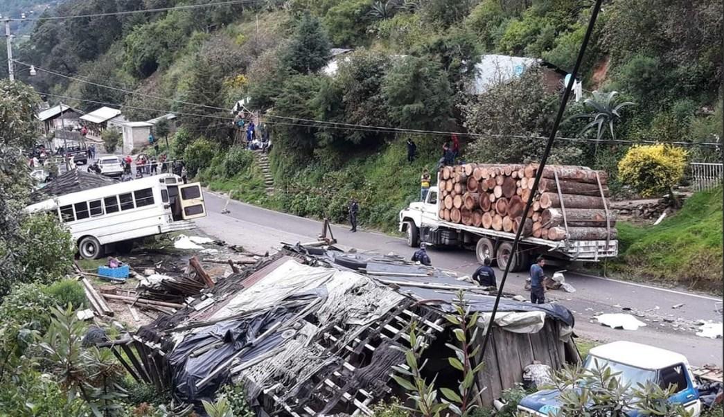 Choque Angangueo, Michoacán, deja 10 muertos
