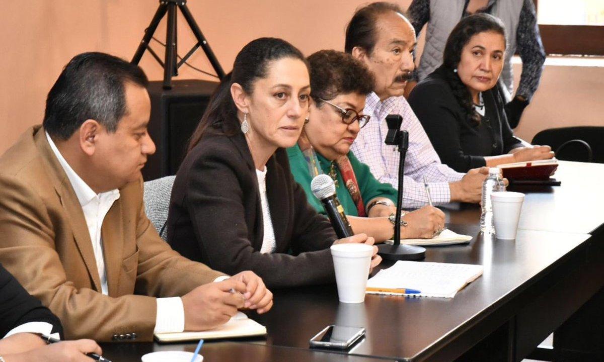 Sheinbaum entrega propuestas de ley anticorrupción a legisladores