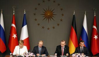 Cumbre sobre Siria inicia en Estambul