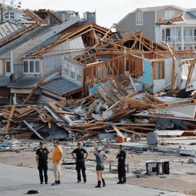 Florida enfrenta devastación después de 'Michael'; dos muertos