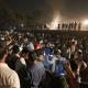 Tren atropella a multitud en India, hay decenas de muertos