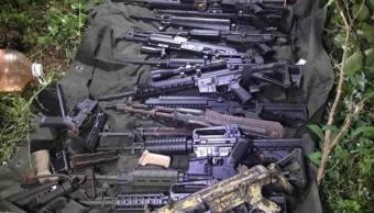 Decomisan arsenal con fusiles de asalto en Sinaloa