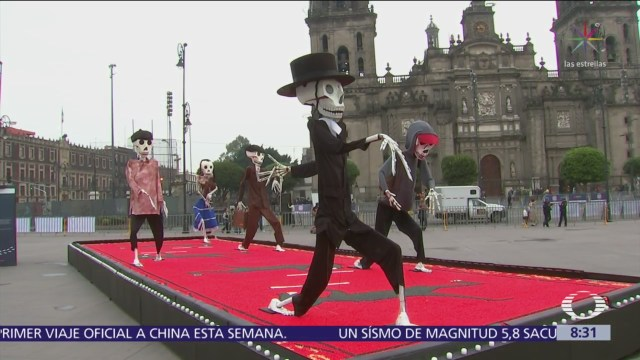 Dedican Gran Ofrenda en el Zócalo capitalino a los migrantes