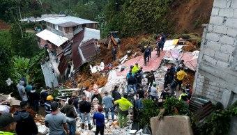 Suman 11 muertos por deslizamiento de tierra en Colombia