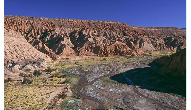 Atacama, las huellas del desierto; Por el planeta