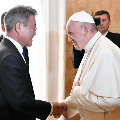 El papa dispuesto a visitar Corea del Norte, si le invitan oficialmente