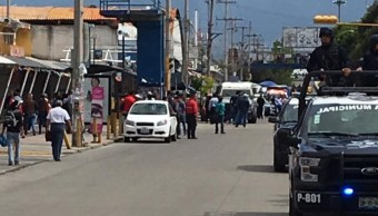 Enfrentamiento entre comerciantes en Puebla deja un herido y 12 detenidos