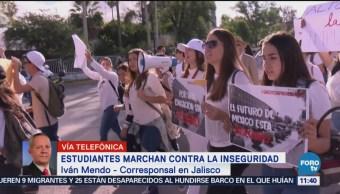 Estudiantes marchan contra la inseguridad en transporte