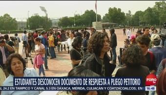 Estudiantes marchan en defensa de la educación pública