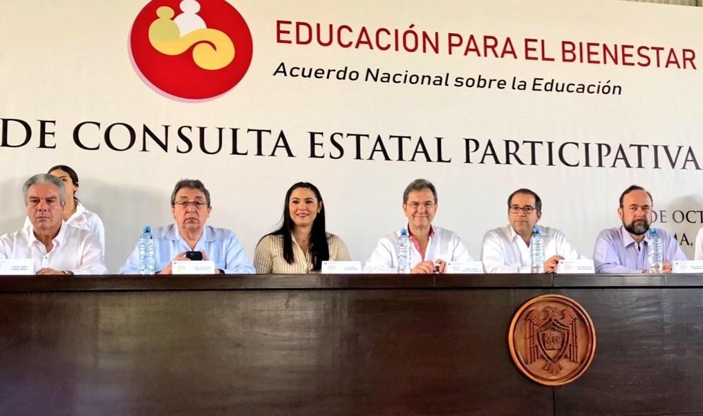 Foro educativo en Colima; Esteban Moctezuma reconoce tropiezo Acapulco