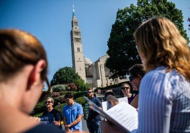 Arquidiócesis de Washington publica lista de 31 sacerdotes violadores