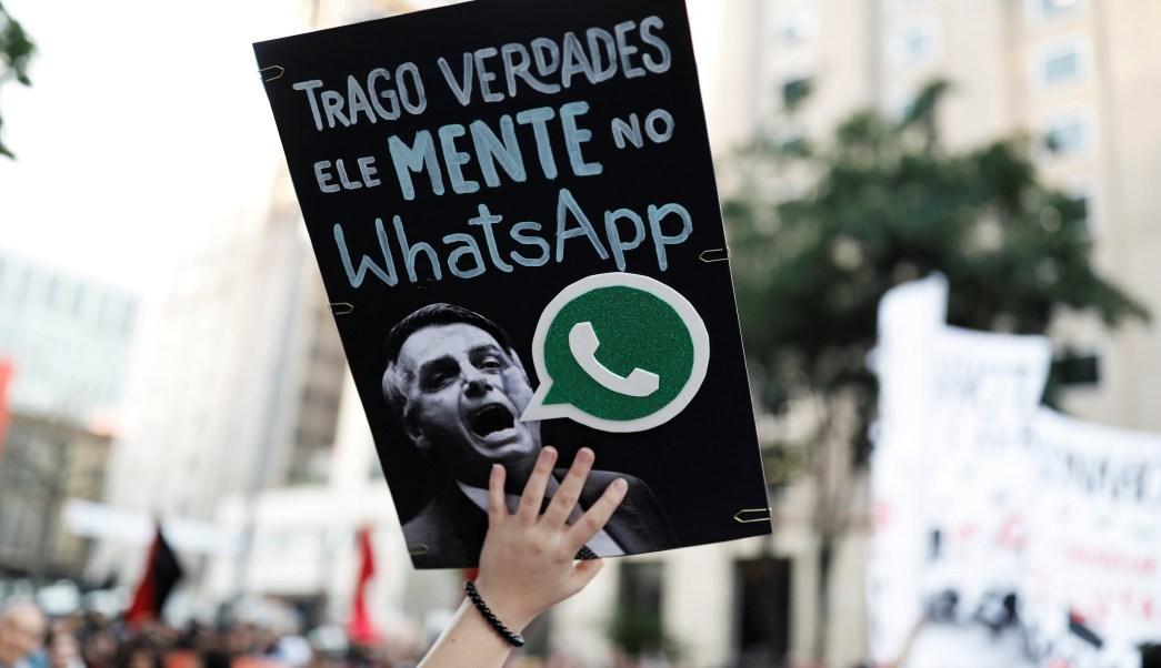 Facebook cierra páginas y cuentas ligadas al candidato presidencial Bolsonaro