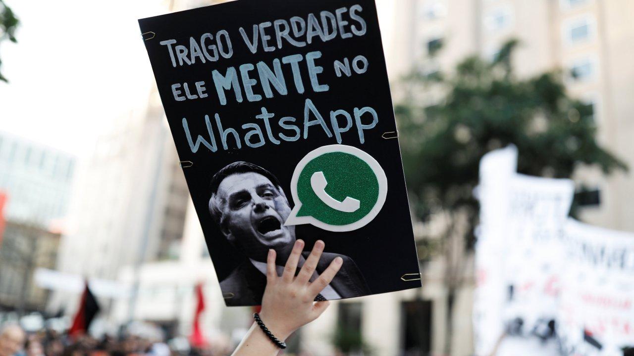 Facebook cierra páginas y cuentas ligadas a Bolsonaro