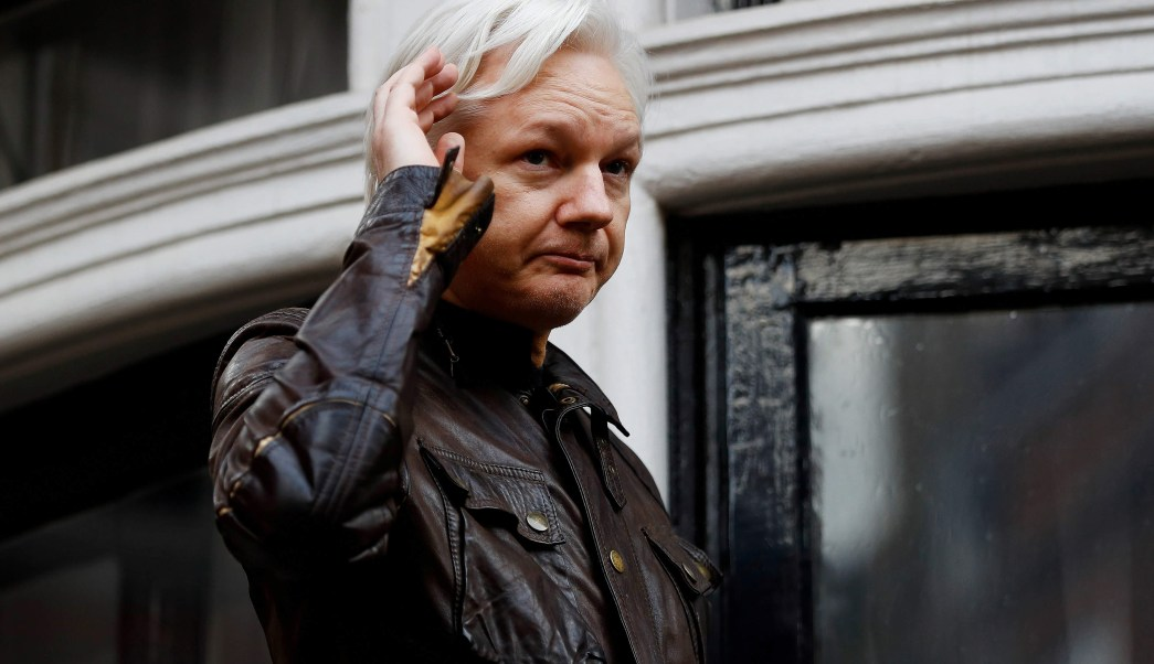 Assange se entregaría si no es extraditado a Estados Unidos
