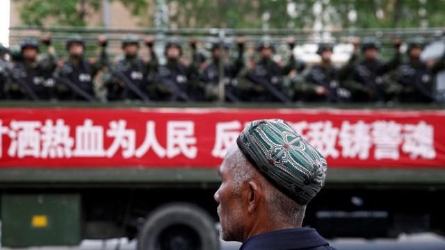 China: Xinjiang legaliza campos de internamiento musulmanes