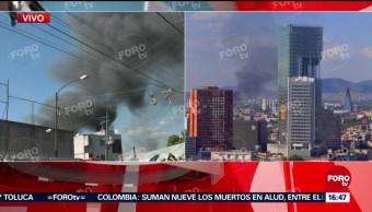 Incendio en fábrica en Eje 2 Norte