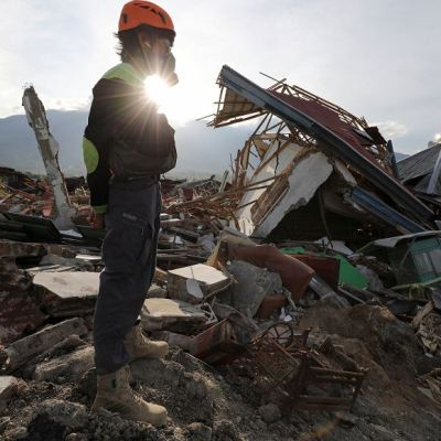 Suman mil 763 muertos y 5 mil desaparecidos por el sismo en Indonesia