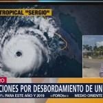 Inundaciones afectan a viviendas de Atoyac de Álvarez