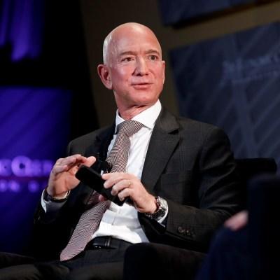 Jeff Bezos desbanca a Bill Gates como el estadounidense más rico, según Forbes